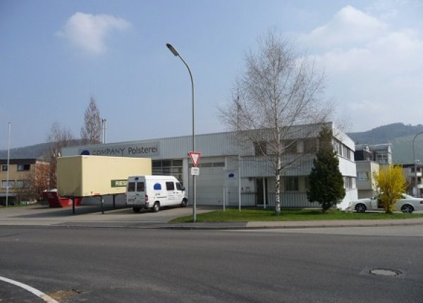 Werkhalle und Bürofläche